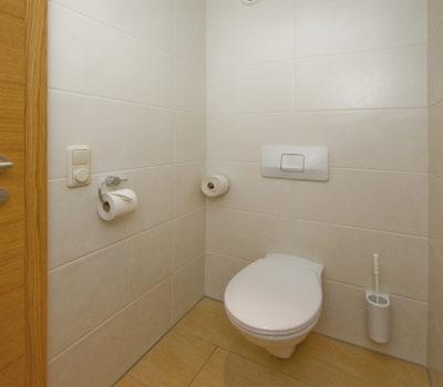 Scharnagl Toilette