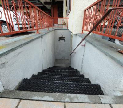 Gestaltung Stiegenaufgang Unterellmau Vorher