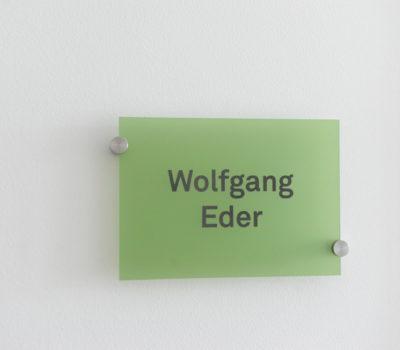 Namensschilder Altmann + Partner