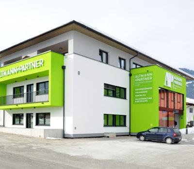 Aussenbeschriftung Altmann + Partner
