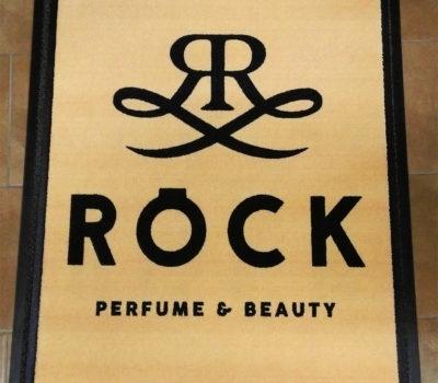 Logoteppich Röck Perfume & Beauty