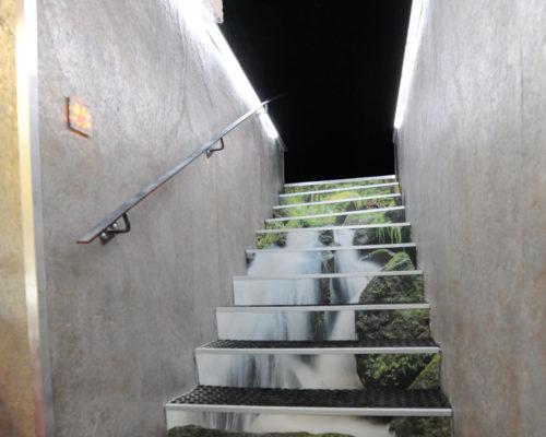 Gestaltung Stiegenaufgang Unterellmau Nachher